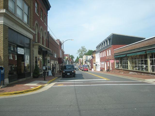 dowtownleesburgstreet.jpg